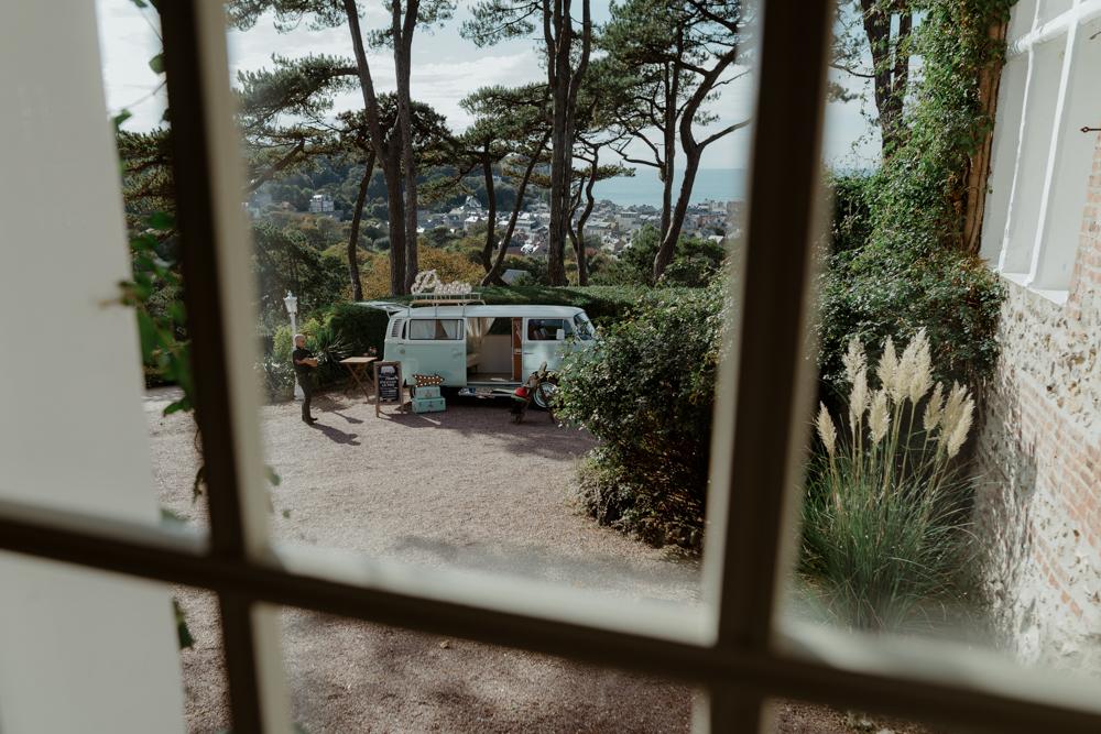 Mariage au Domaine Saint Clair le Donjon à Etretat - Mariage nature et végétal - Photographe et Vidéaste