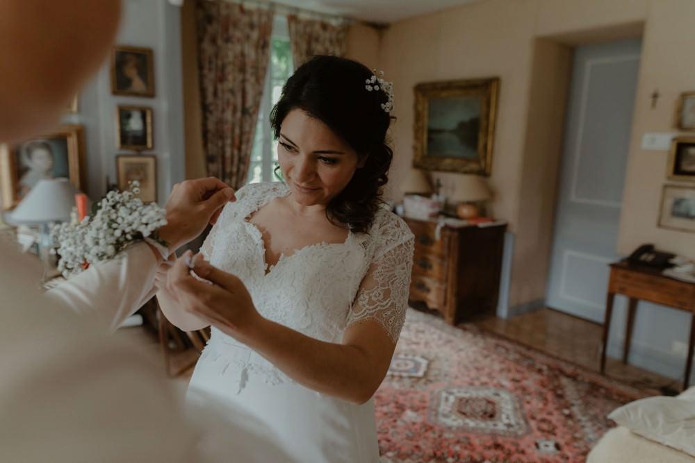 Photographe de mariage à l'Orangerie Saint Jean à La Chapelle sur Dun en Normandie - Salle de réception à la campagne, mariage sous tente, fleuriste Aude de Boishebert, robe Rosa Clara