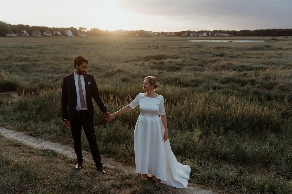 Photographe Mariage Le Touquet - Reportage de mariage dans la maison familiale, puis à l'église du Touquet puis à l'Opale Corner près de l'hippodrome du Touquet - Emmanuelle Auzou photographe de mariage