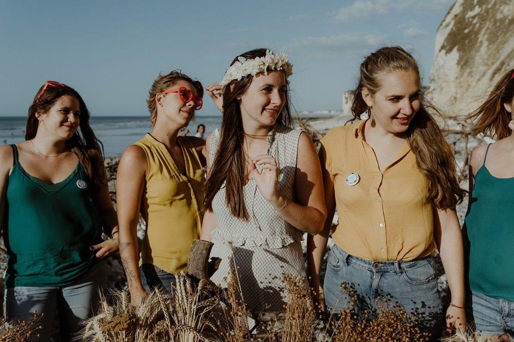 Idée originale d'activité EVJF (enterrement de vie de jeune fille) : séance ou shooting photo entre copines par Emmanuelle AUZOU photographe
