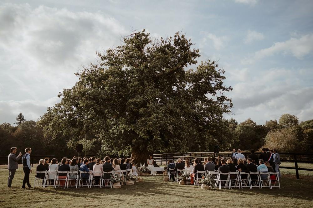 Un mariage laique sous le vieux chêne au Pré des Colombiers dans le Calvados - Mariage sous tente nomade et décoration vintage